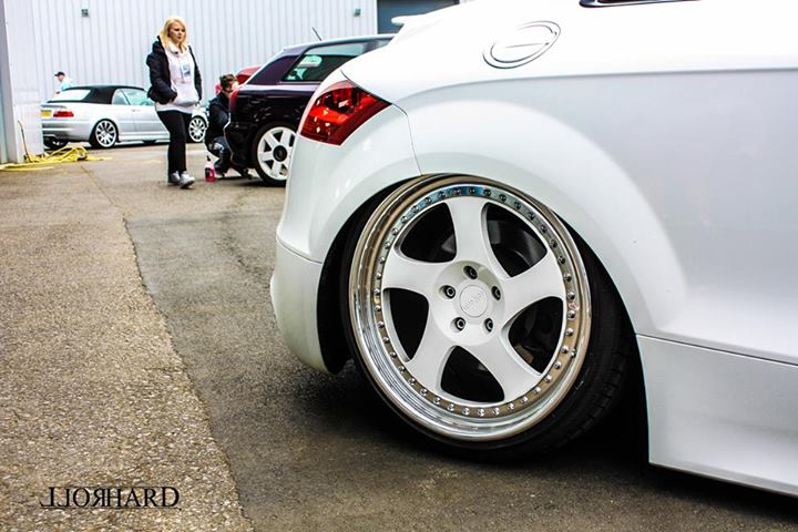 Air Lift in the UK: Elmo's slammed Audi TTS