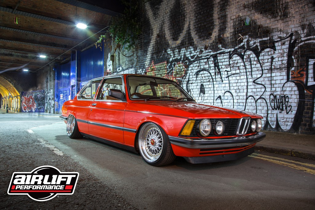 WALLPAPER: Air Lift Equipped E21 BMW