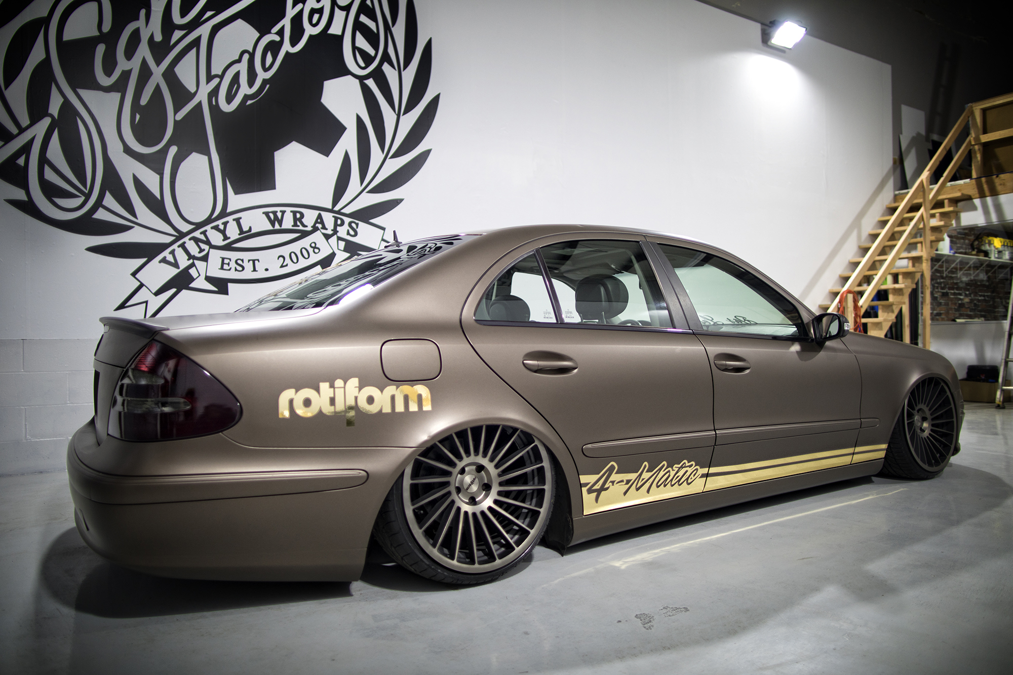 E350 4matic equipped with Rotiform wheels and universal air suspension