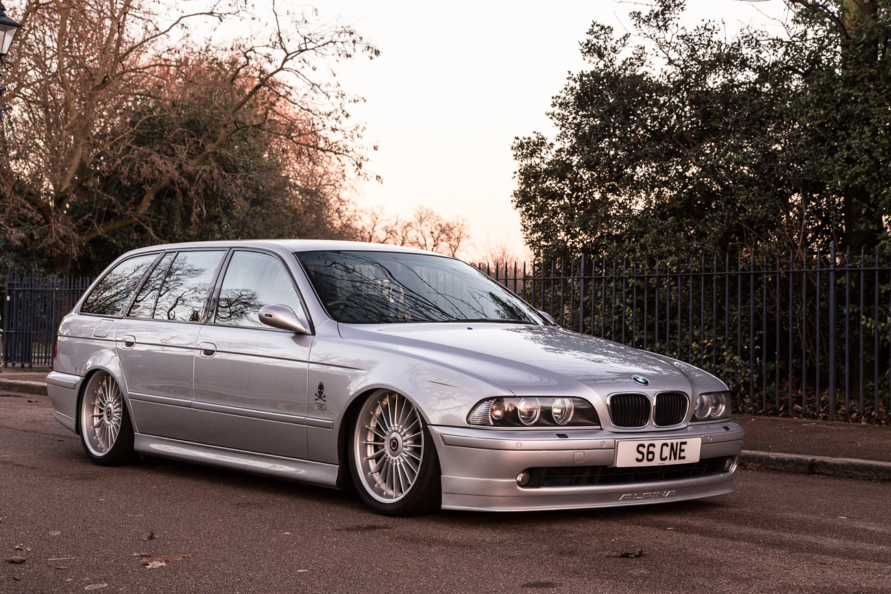BMW Alpina B10 laid out on air suspension - front view