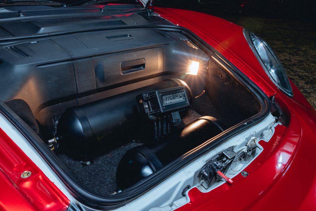 Karma Porsche 987 - trunk install setup