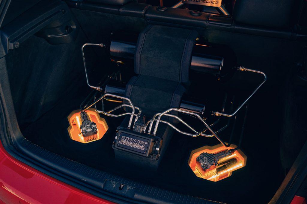 Air Lift Performance Around The World South Africa - VW Golf R trio trunk setup