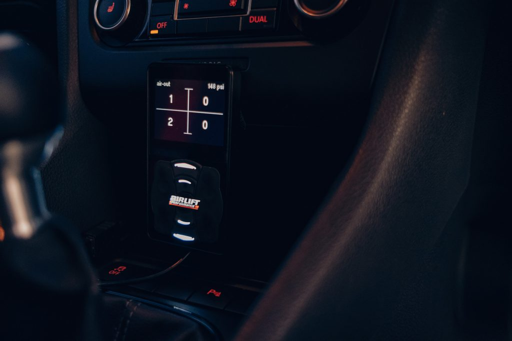 Air Lift Performance Around The World South Africa - VW Golf R trio mounted controller