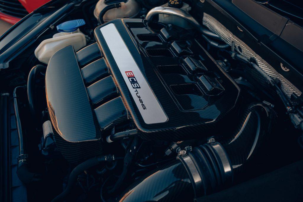 Air Lift Performance Around The World South Africa - VW Golf R trio engine