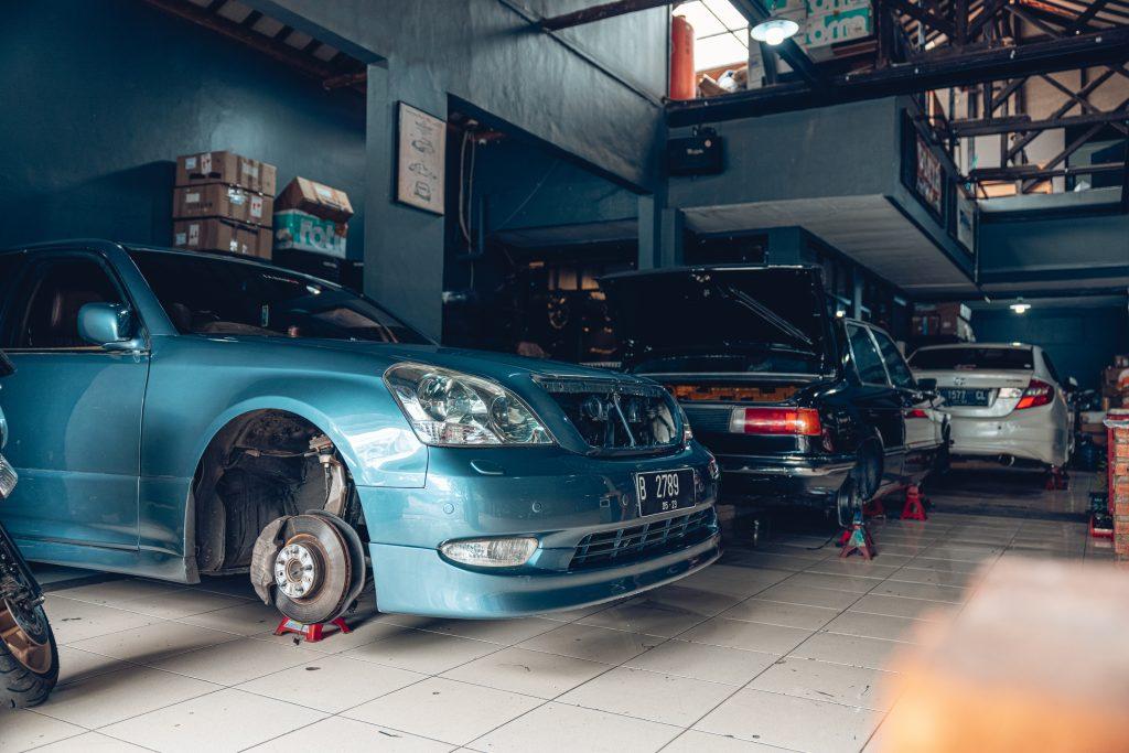 Air Lift Indonesia Art Custom Shop pic - Lexus and BMW bagged